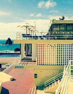 Openlucht zwembad Funchal, Madeira. von Hennnie Keeris