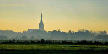 Doesburg in de ochtendnevel van Pieter Veninga