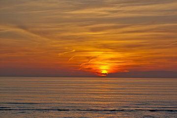 Sunset in Katwijk van Harry van den Brink