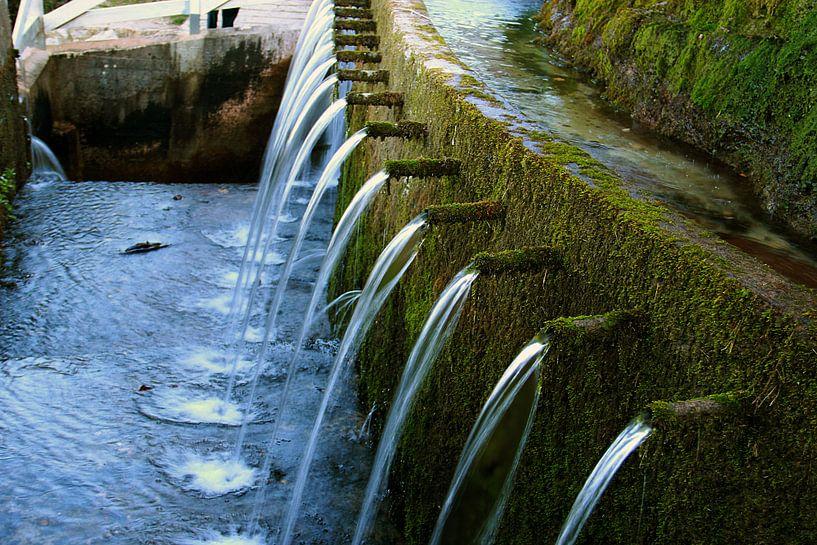 The Hundred Waterfalls van Cornelis (Cees) Cornelissen
