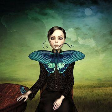 Frau mit blauem Schmetterling
