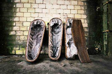 (urbex) Lost Coffins von mandy sakkers