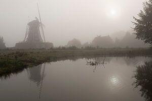 Molen De Bataaf in Winterswijk in ochtendmist