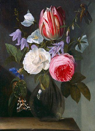 Rozen en een tulp in een glazen vaas, Jan Philips van Thielen