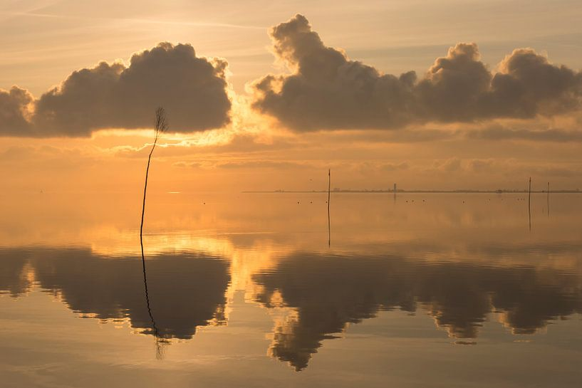 Windstille am Meer 2 von Annette Sturm