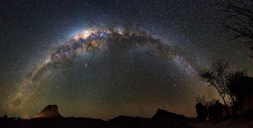 Melkweg in de nacht van Dennis van de Water