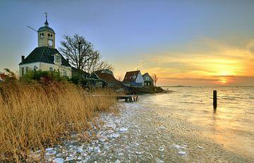 Kerkje van Durgerdam bijn zonsopkomst van John Leeninga