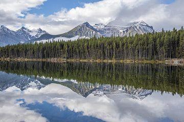 Refecting mountains von Ben Bokeh