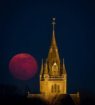 Lune de Pâques sur Koen Boelrijk