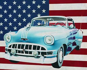 Pontiac Chieftain Hard Top 1950 avec le drapeau des États-Unis.