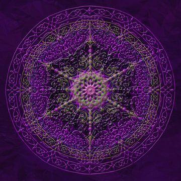 Mandala, purper met verdikte lijnen van Rietje Bulthuis
