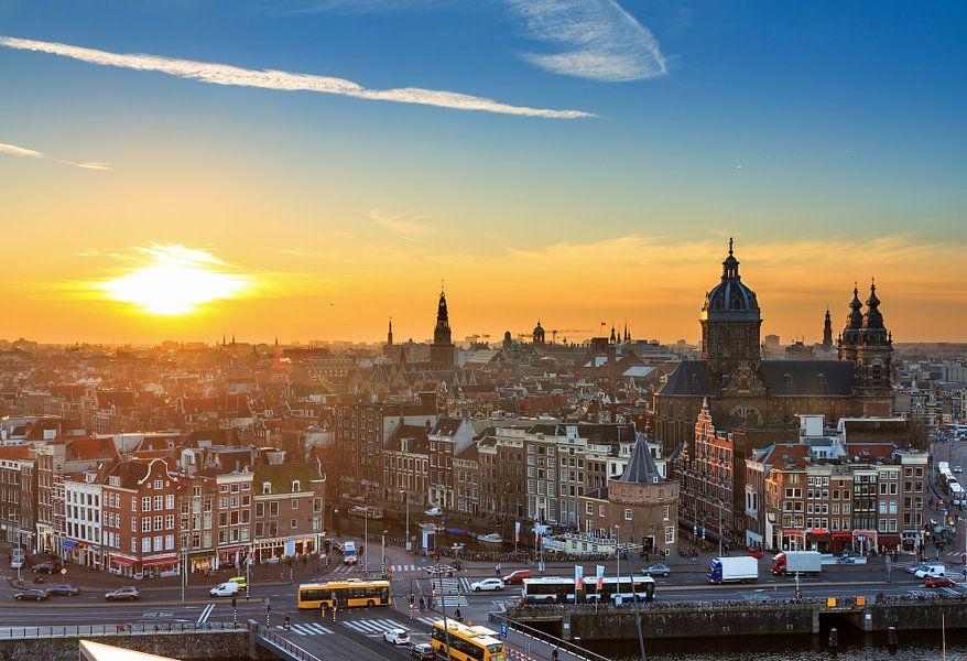 Amsterdam zonsondergang van Dennis van de Water