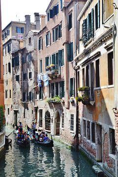 Venetië, Italië, doorkijkjes over de vele kanalen, van Getty Betlem