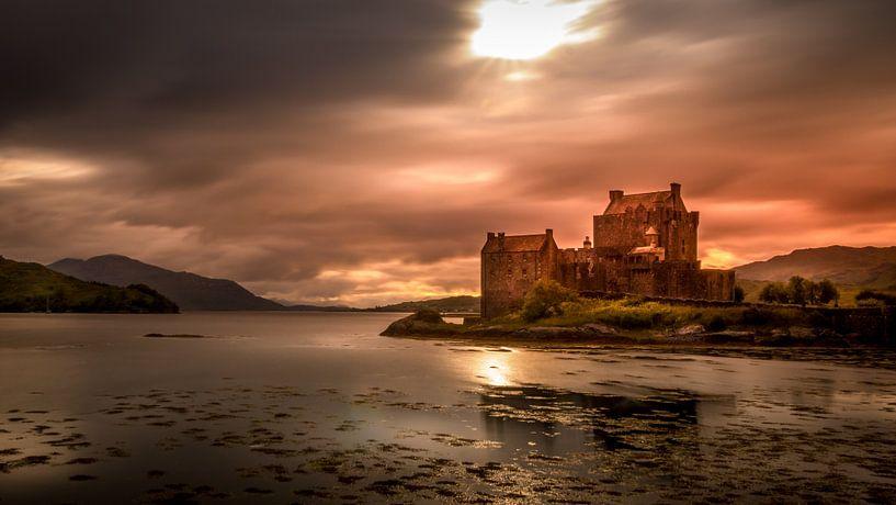 Eilean Donan Castle (Schotland) van Dennis Wardenburg