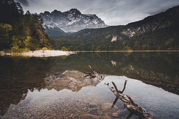Blick auf die Zugspitze von Eduard Martin