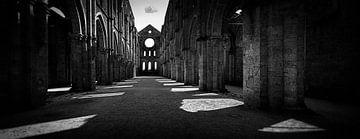 Abtei 'San Galgano' in der Toskana... von Wim Schuurmans