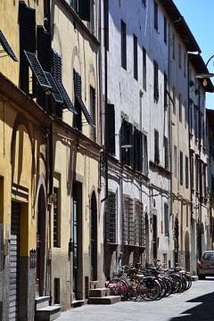 Toskana Italien Lucca Stadtzentrum von Hendrik-Jan Kornelis