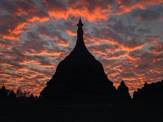 Tempel bij zonsondergang, Mrauk U, Myanmar