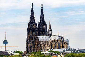 Cologne avec tour de télévision sur Tom Voelz