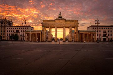Berlin Brandenburger Tor 2020 (2) von Iman Azizi