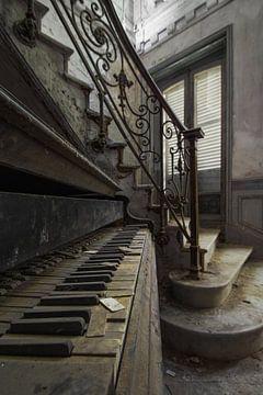 Prachtige piano in verlaten kasteel van Kristof Ven