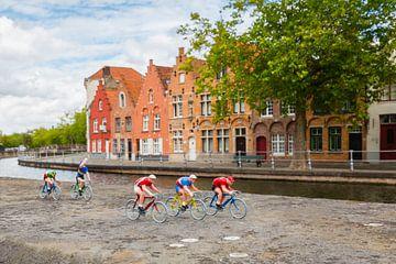 Radfahren in Brügge (Belgien) von Nele Mispelon