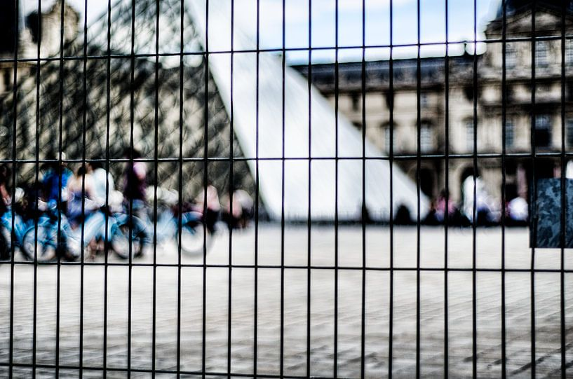 Gated Piramide van A. David Holloway