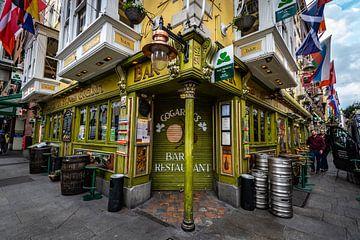 Oliver St. John Gogarty's Pub van