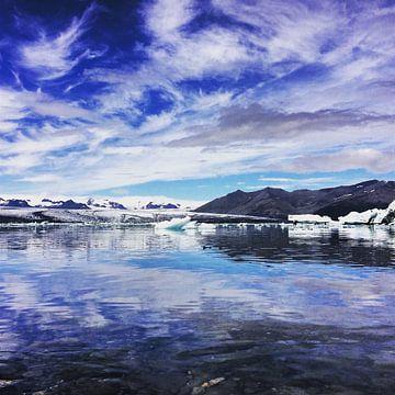 Meer in IJsland van Luke Bulters