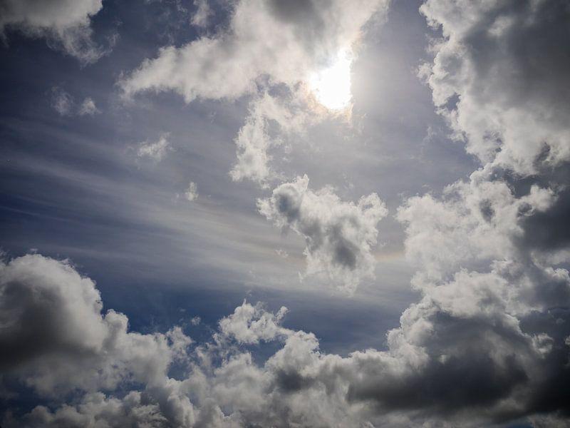 Blauer Himmel von Martijn Tilroe
