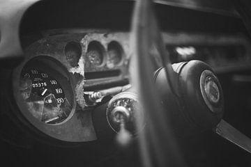 Auto in schwarz und weiß von Kristof Ven