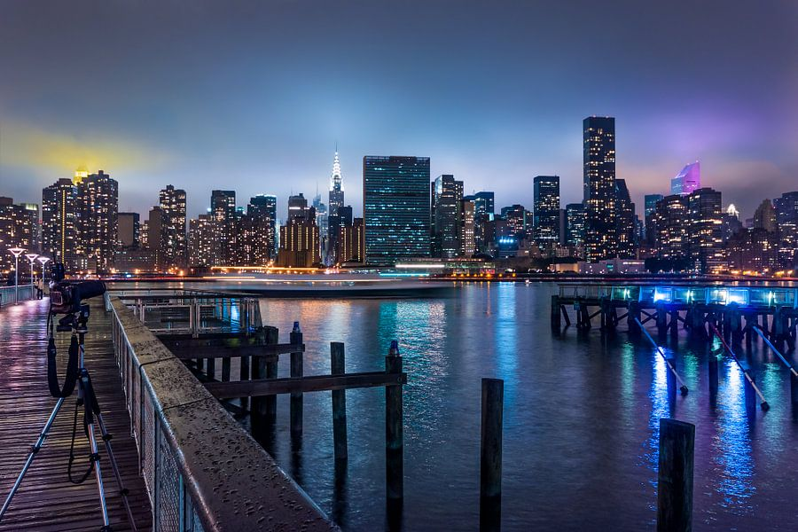 New Yorks Skyline am Abend van Kurt Krause