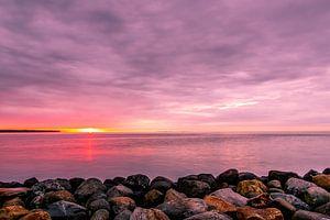 De kust van Juelsminde bij zonsopkomst
