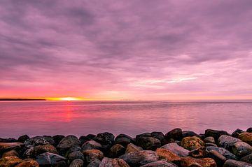 De kust van Juelsminde bij zonsopkomst van