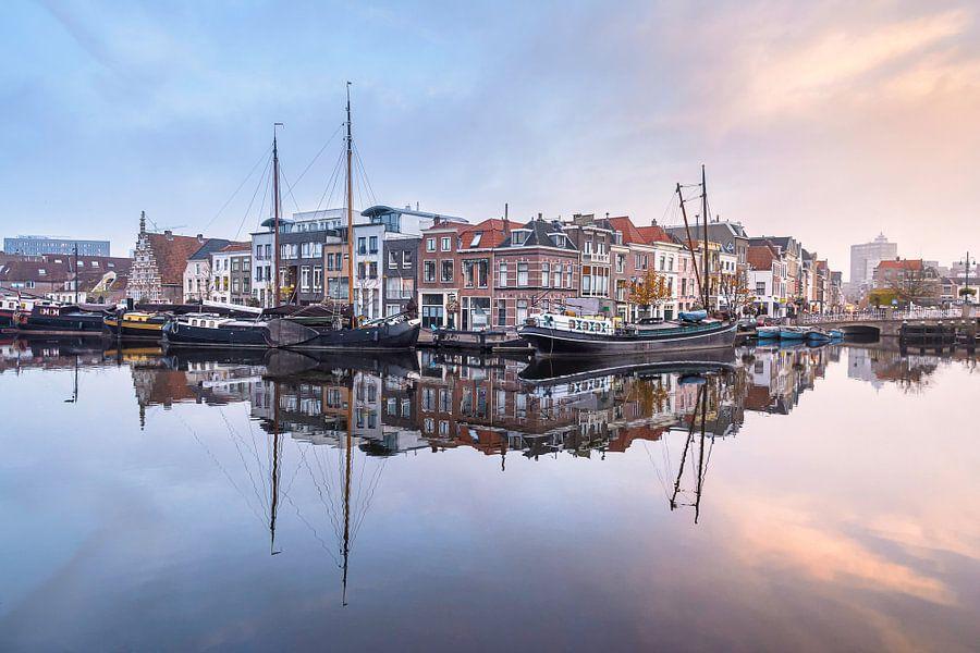 Het Galgewater in Leiden van Martijn van der Nat