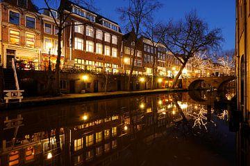 Oudegracht in Utrecht tussen Maartensbrug en Gaardbrug sur Donker Utrecht
