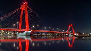 Reds in the night van Robert Stienstra