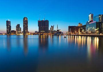 Rijnhaven, Rotterdam tijdens blue hour van