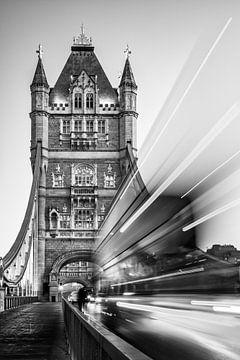 Tower Bridge, London sur Lorena Cirstea