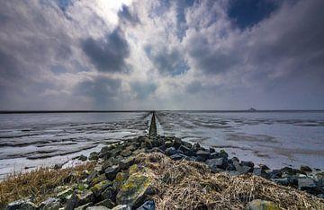 De waddenzee, bij de pier van Holwerd van