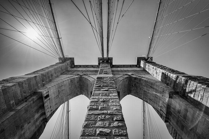Brooklyn Bridge, New York in Zwart-Wit van Mark De Rooij