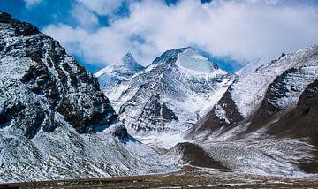 Schneebedeckte Berge im Himalaya, Tibet von Rietje Bulthuis