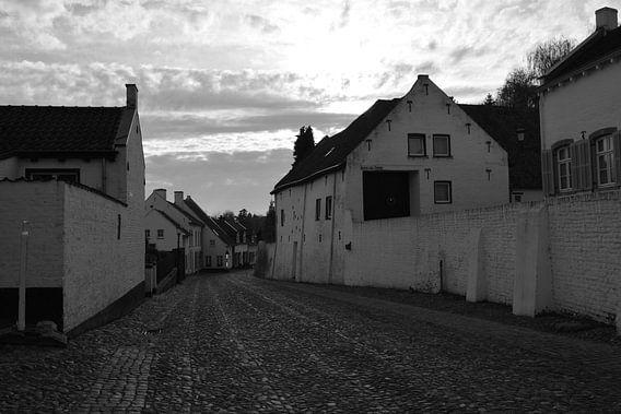 Straat in Thorn (Limburg) in Zwart Wit