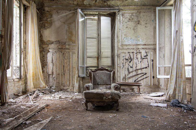 Urbex - Stoel in kamer van Tim Vlielander