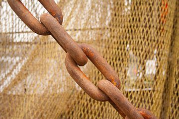 scheepsketting op vissersboot van Mark Nieuwenhuizen