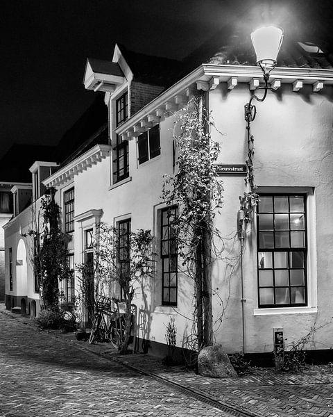 Hometown Nocturnal # 9  van Frank Hoogeboom