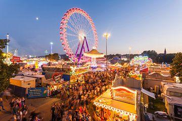 Cannstatter Volksfest in Stuttgart van Werner Dieterich