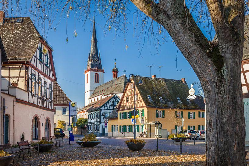 Marktplatz vom Weindorf Erbach im Rheingau van Christian Müringer