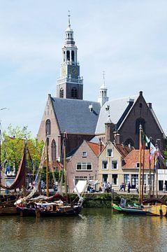 Groote Kerk Maassluis met historische schepen van Maurice Verschuur