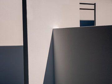 Detail der Architektur mit spannendem Schattenspiel von Robin Jongerden